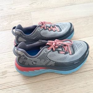 Hoka Bondi 5 sneakers grey size 6